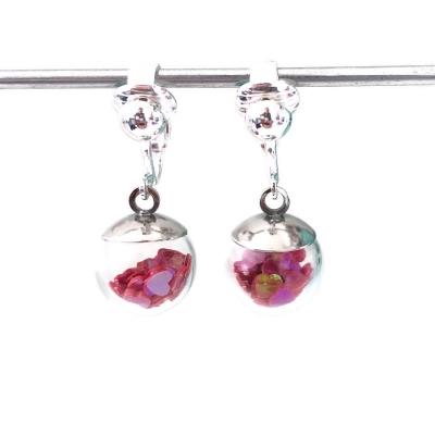 Clipoorbellen bal met rozerode hartjes mini, hangoorbellen