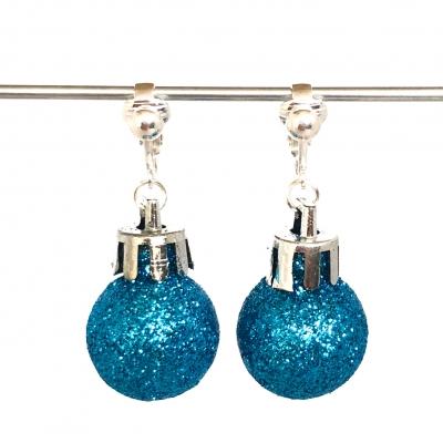 Clipoorbellen kerstbal klein plastic blauw/turquoise glitter, hangoorbellen