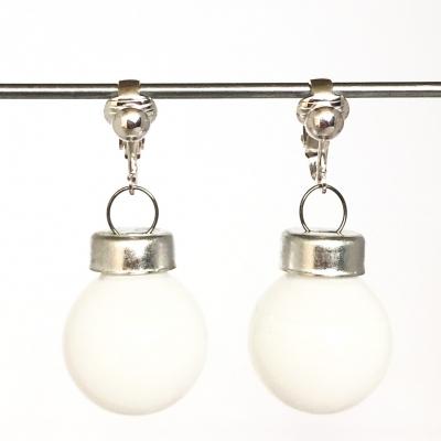 Clipoorbellen kerstbal klein glas wit glanzend, hangoorbellen