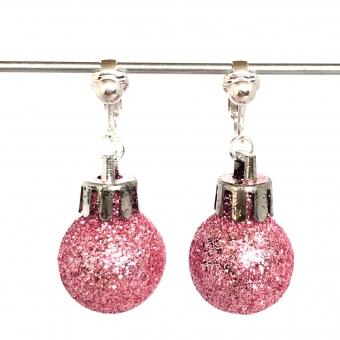 Clipoorbellen kerstbal klein plastic lichtroze glitter, hangoorbellen