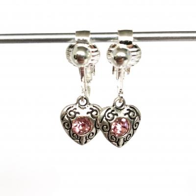Clipoorbellen antiek zilveren hartjes met 1 roze glitter, hangoorbellen